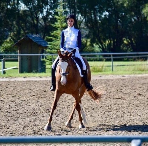 Fiona and Allegra in the warm-up ring